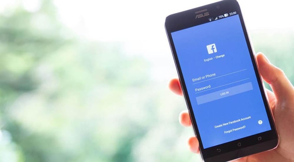 Anuncios en redes sociales.